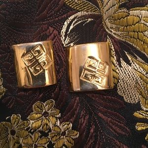 Givenchy Vintage Clip Earrings - costume ,